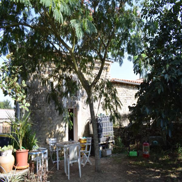 Offres de location Maison Azay-le-Brûlé 79400